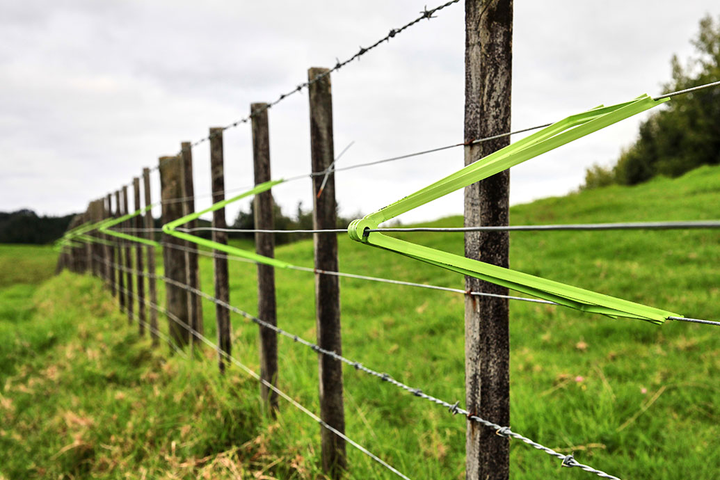Green Riggers electric fence outriggers